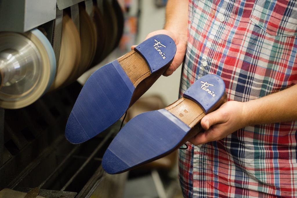 Herstellen schoenen Van Bommel